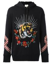 d187deed2810c GUCCI Blind For Love Tiger Hoodie.  gucci  cloth