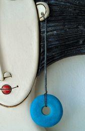 Mädchen mit rotem Kleid und weißer Katze handgemachtes keramisches Etsy   – Keramiek