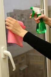 How To Clean Windows Without Streaks Lovetoknow Window Cleaner Cleaning Walls Cleaning