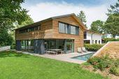 interieur aus holz und beton patio design grau cha…