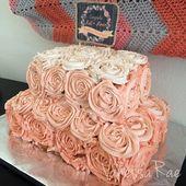 Weißer Kuchen (Boxed Betty Crocker feucht), frische Erdbeerfüllung, …