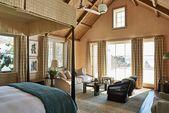 Neues Ferienhaus im Kolonialstil in Saltbox von Michael S. Smith Inc. in East Hampton, NY   – Home Decor