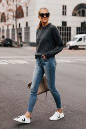 Mode Jackson Everlane Alpaka dunkelgrauer Pullover Denim Raw Hem Skinny Jeans Vej