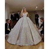Robe De Mariee Luxury Full Beaded Ball Gown Wedding Dress in Dubai Scoop Neckline Off Shoulder