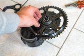 So baust du dir dein eigenes E-Bike mit Mittelmotor | DIY E-MTB E-Bike-Umbau