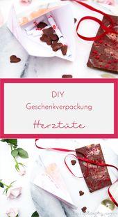 DIY Geschenkverpackung für Valentinstag: 3D Herztüten falten | Filizity.com | DIY-Blog aus dem Rheinland
