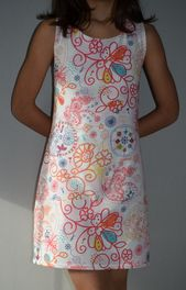 Gown bain de soleil, le modèle a été trouvé dans la revue B*Fashionable (édition…