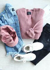 Get A Grip Distressed Sweater in Mauve ist zum Verkauf …