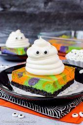 Halloween Swirled Cheesecake Bars – eine Oreo-Kruste, bunte Cheesecake-Strudel, …