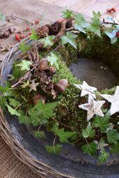 DIY Mooskranz für den Winter. Einfach selber machen mit Moos, Hagebutten, Efeu,…