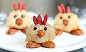 Osterplätzchen. 3D Kokos-Keksküken mit Schokoladenüberzug …