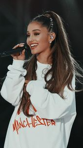 Ariana Grande to be approved honorary citizenship of Manchester