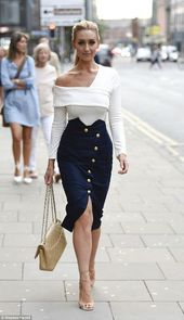 Corrie's Catherine Tyldesley is stylish in button-down skirt