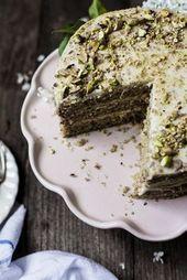 Joghurt-Olivenöl-Pistazienkuchen mit Zitronenbuttercreme | Das moderne Proper