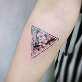 Schöne Kirschblüten Tattoos für Frauen  – Bilder