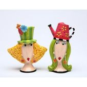 Cosmos Gifts Cosmos Gifts Garden Lady Salt and Pepper Set – ANIMAL CRACKERS