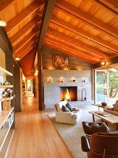 Modern home by Obie Bowman.