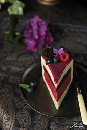 Berry cake with lemon & lemony herbs for the 4th birthday