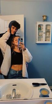 VSCO – relatablemoods I like how she has a pic of him in her case while he uses