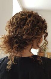 45 bezaubernde Braut Frisuren für natürlich gelocktes Haar # Frisuren # …