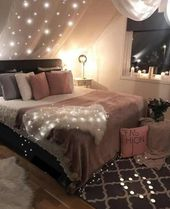 Pink, white and gray bedroom of the girl; pastel bedroom decor inspiration; small…   – Schlafzimmer