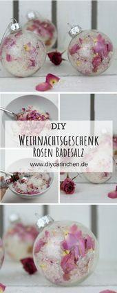 DIY Badesalz mit Rosenblütenblättern selbermachen in Christbaumkugeln – Alle DIYs von DIYCarinchen
