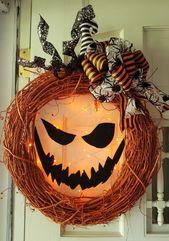 Lighted Jack-o Lantern Pumpkin Wreath