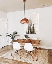 Was für eine schöne Kombination aus Weiß-, Holz- und Roségoldakzenten. #home #desi