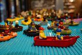 In Kirkwood wird ein Lego-Wiederverkaufsgeschäft eröffnet, in dem mehr als 20.000 Minifiguren ausgestellt sind   – Local spots