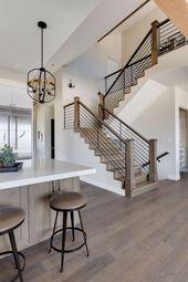 Modern Farmhouse Home Tour. Simons Design Studio. #modernfarmhouse #woodfloors # – Ideen rund ums Haus