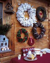 Des couronnes de Noël en branchages