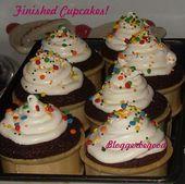 Easy NoFail Ice Cream Cone Cupcakes Bereiten Sie den Teig mit einer Kistenmischung zu. In einem Laib pa …