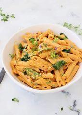 Cremig vegan geröstete Paprika-Nudelsauce mit Spinat und Cashewnüssen. #Pasta #Ve …   – Recipe Ideas