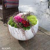 Plant pots with primroses: pots with birch branches fence #Garten #diy   – Blumen
