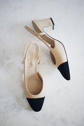 Chanel Slingbacks. Chanel Slingback Heels. Schwarzer Zehenabsatz. Nackt und … – Fra …