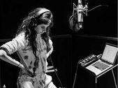 Camila Cabello revela a los fanáticos que se acabó & # 39; Romance & # 39;   – Notícias dos Famosos
