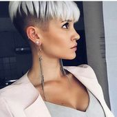 Kurze Haare Farben Verpassen Für Diesen Sommer //  #Diesen #Farben #für #Haare…