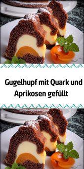 Gugelhupf mit Quark und Aprikosen gefüllt