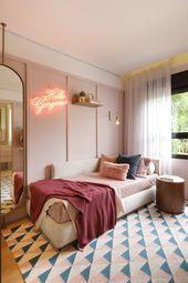 Décor do dia: quarto de adolescente com neon e tons pastel
