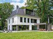 Haus mit Fenstern umgestaltet