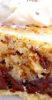 Kentucky Derby Cookie Pie mit Bourbon-Schlagsahne – Diese Torte ist ein Kreuz zwi …