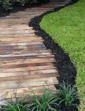 5 caminos hechos con palets para decorar el jardín
