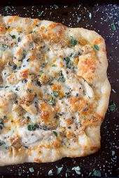 This copycat roasted garlic chicken pizza reminds me of my favorite California P…