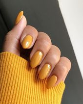 The 40 Hottest Yellow Acrylic Nails to Spice Up Your Fashion