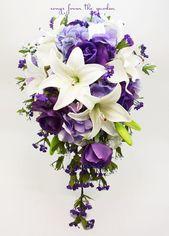 Cascade Brautstrauß mit Real Touch Lila Rosen, Real Touch Lilien, Lavendel Hortensie – Fügen Sie einen Bräutigam Boutonniere – Hochzeitsstrauß   – Dossier mariage