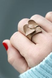 Do you have leather scraps? Make a cute heart ring! – # you # have #hast #he …