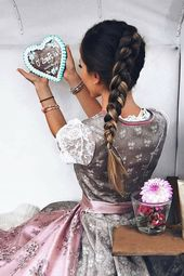 Dirndl Hairstyles 2019: Looks for the Oktoberfest