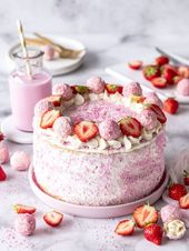 simple pies recipe with strawberries, coconut and biscuit  – Desserts
