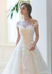 Dieses klassische Brautkleid von Sonyunhui mit zarten blühenden Spitz … – Hochzeit und Braut