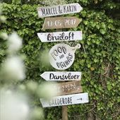 Toffe wegwijzer voor je bruiloft • Handgemaakt • Weddingsign • studiosproe…